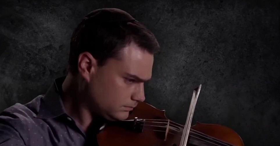 Ben shaprio plays violin